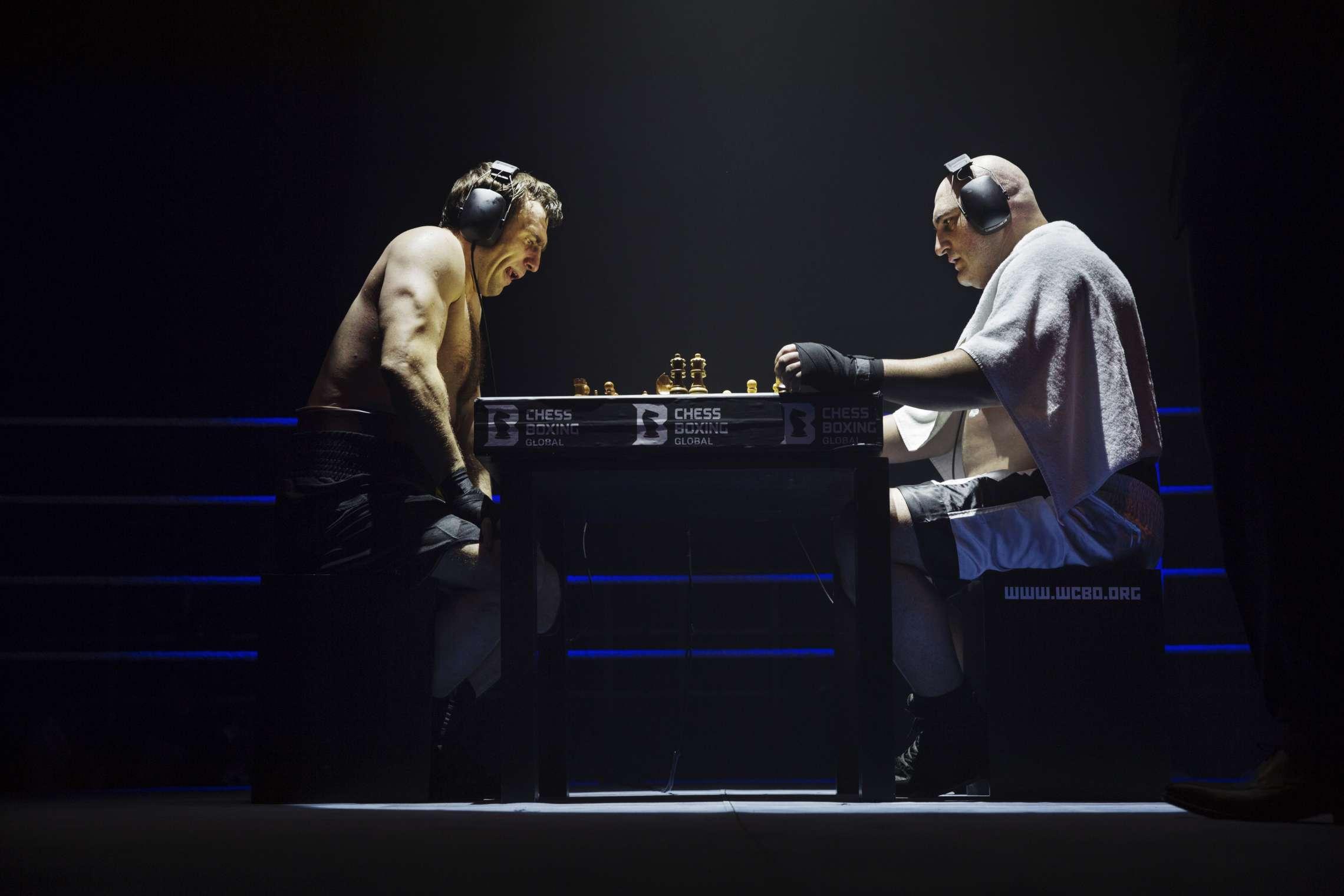 05-00749-sjakkboksing04